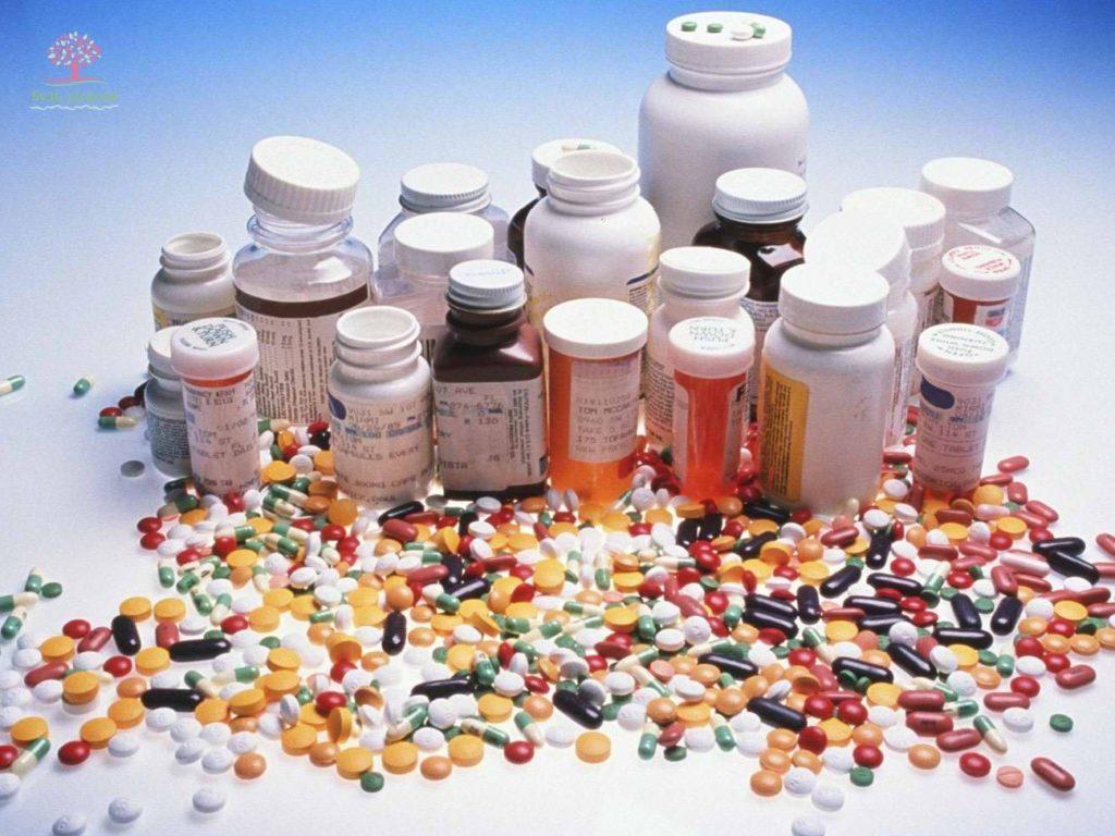 горы таблеток